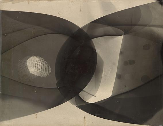 Laszlo Moholy-Nage photogram, 1926 gelatin silver photogram, 23.8 x 17.8 cm Los Angeles County Museum of Art, Ralph M. Parsons Fund ©2016 Hattula Moholy-Nagy/VG Bild-Kunst, Bonn/Artists Rights Society (ARS), New York Photo: © 2015 Museum Associates/LACMA